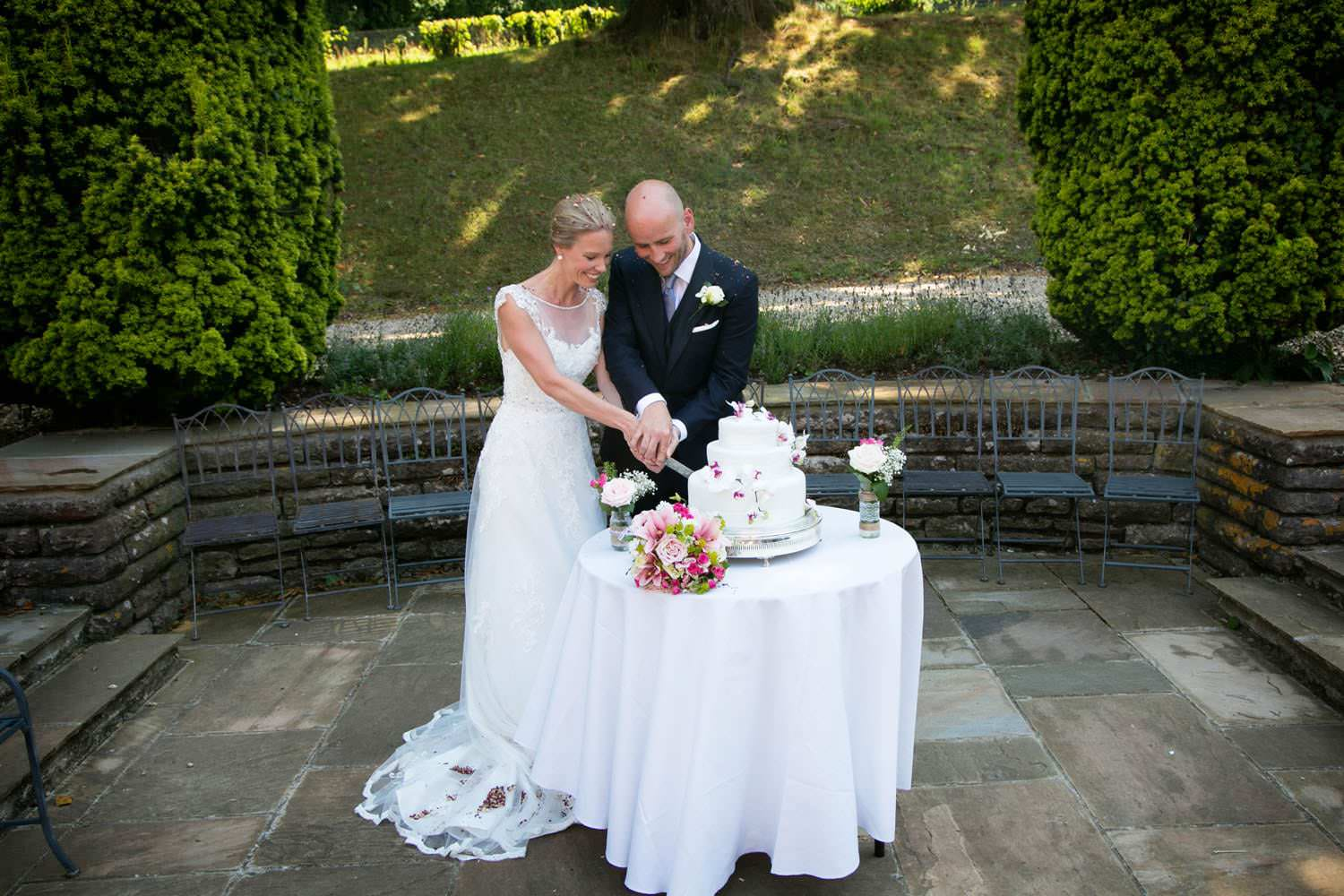 coombe lodge outdoor wedding_20