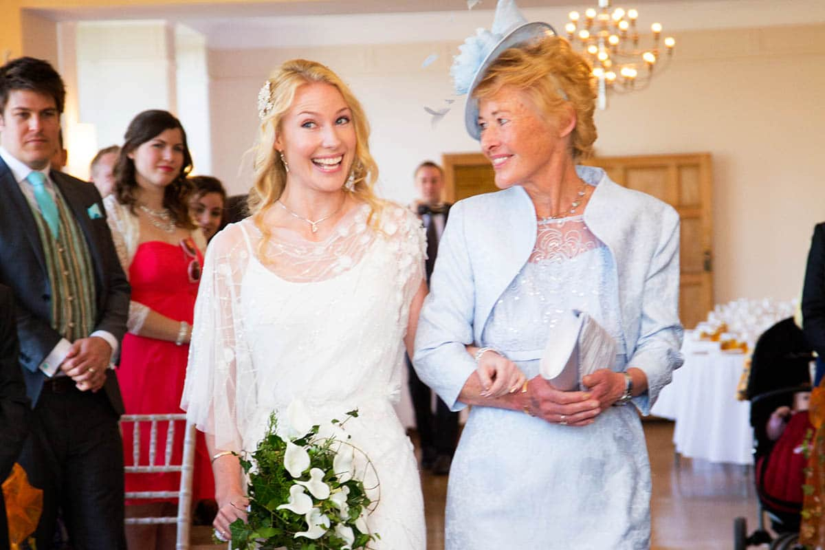 spring wedding coombe lodge-16