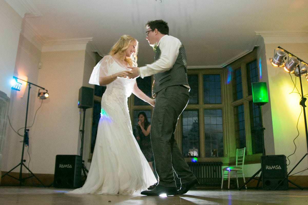 spring wedding coombe lodge-52