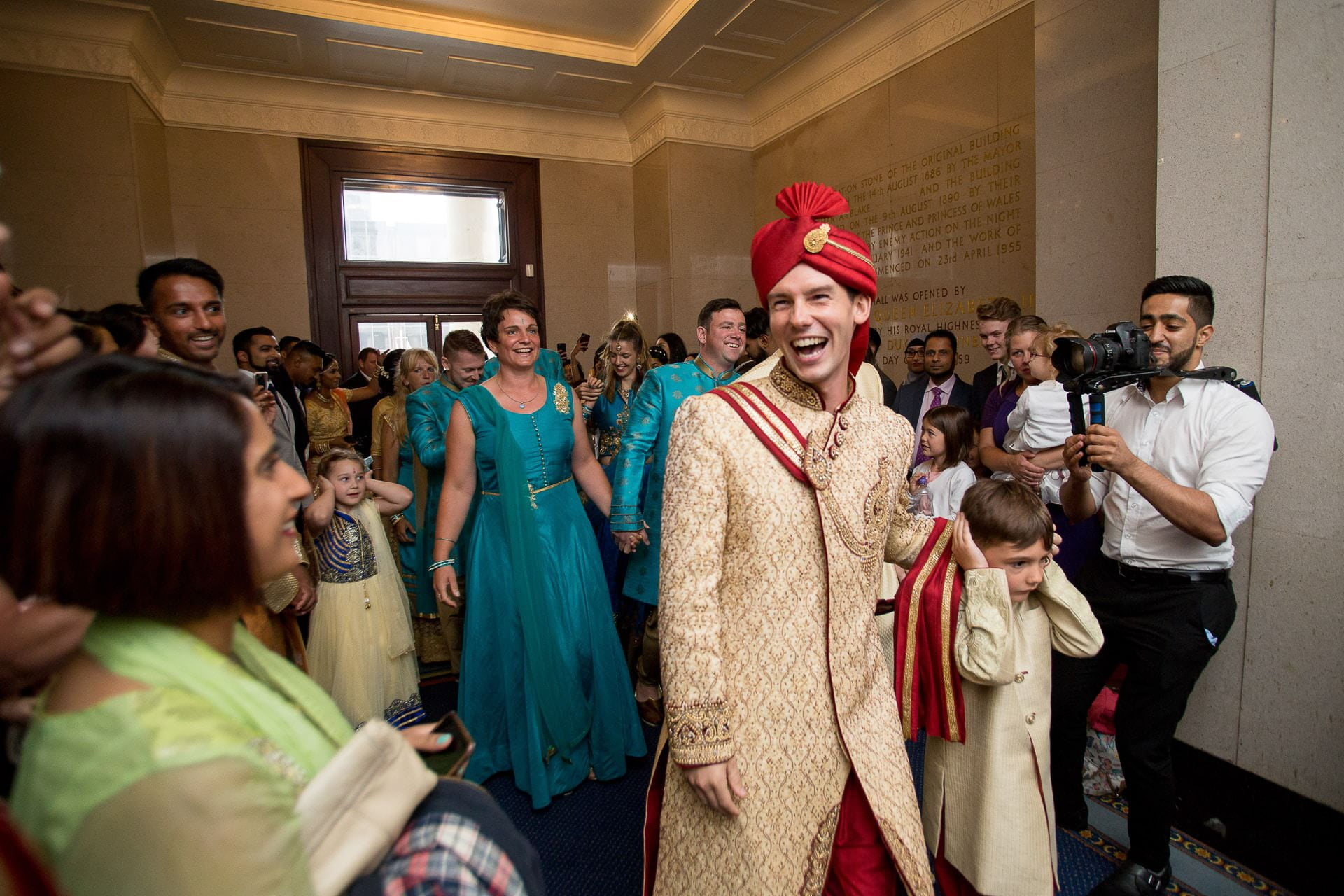 asian wedding photography portsmouth guildhall 12